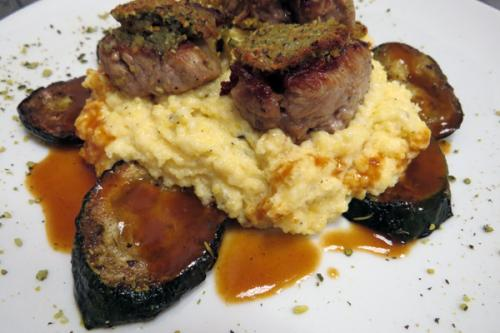 Essen und Trinken im Aqua Salza -Kalb-mit-Kuerbis-Rahmpolenta