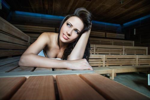 Sauna Liegebank und Sitzbank im Aqua Salza